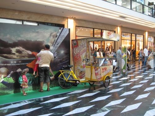 Werbestand in Münster Arkaden